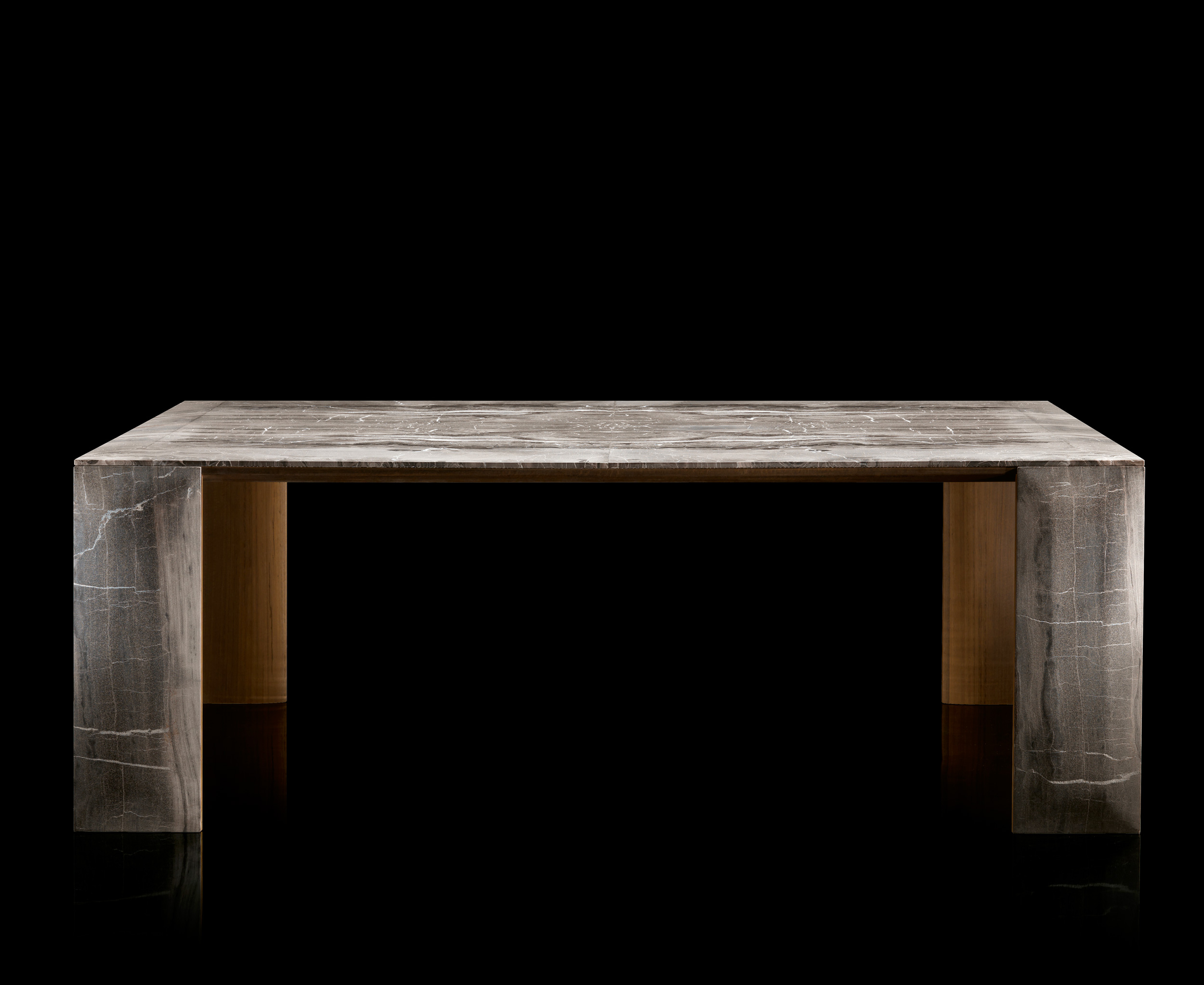 Ly Table Metal