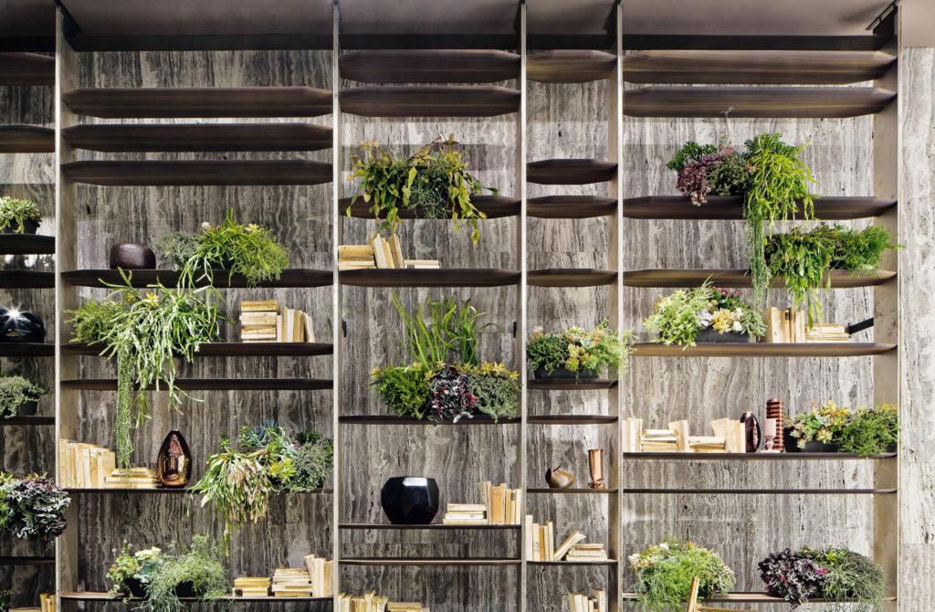 Blade Bookshelf Plants