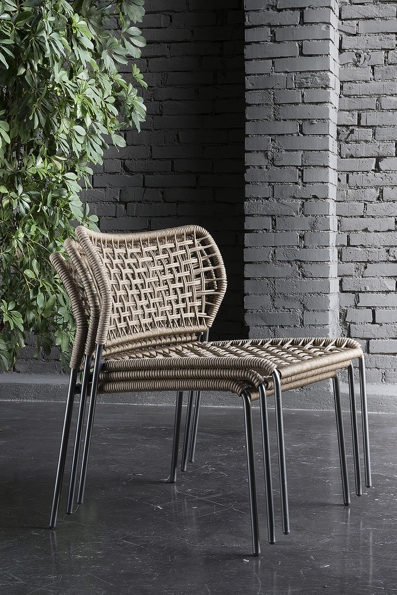 Corda chair